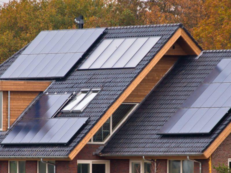 solar-panels-on-house-PX8NBJZ